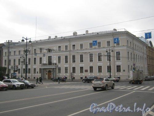 Исаакиевская площадь, дом 9. Общий вид. Фото 19 октября 2012 г.