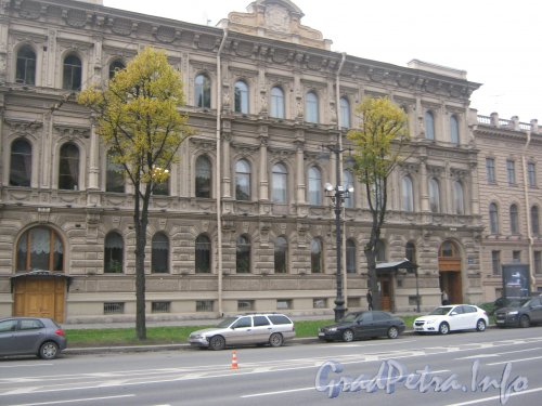 Исаакиевская площадь, дом 7. Общий вид. Фото 19 октября 2012 г.