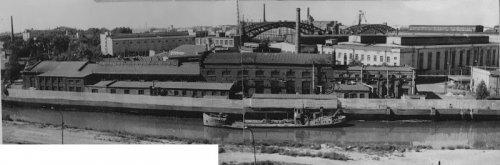 Красногвардейская пл., дом 2. Корпуса Петрозавода (Завод № 370). Фото 1973 года.