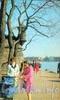 У Петропавловской крепости. Фото В. Стукалова, 1972 г. (старая открытка)