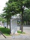Старая будка ДПС у пересечения Каменноостровского проспекта и Большой Монетной улицы. Фото 7 июля 2012 года.