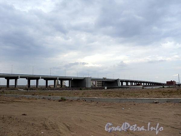Кольцевая автодорога (КАД). Западное полукольцо. Северный участок дамбы. Автомобильный мост судопропускного сооружения С2. Фото июль 2010 г.