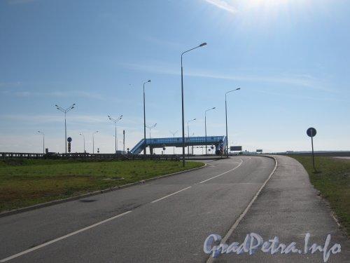 КАД перед г. Кронштадт. Вид в сторону КАД от разворота под основной трассой. Фото 20 июля 2012 г.