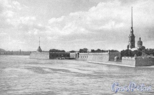 Перспектива Невы и вид на Петропавловскую крепость. Фотоальбом «Ленинград», 1959 г.