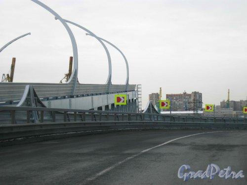 Западный скоростной диаметр. Недостроенная часть основной магистрали трассы у съеда на Двинскую улицу. Фото февраль 2013 г.