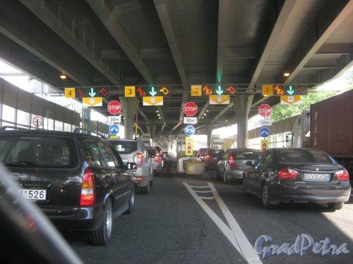 Западный скоростной диаметр. КПП на въезде с Автомобильной улицы. Фото 30 мая 2013 г.