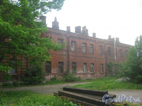 Адмиралтейский район. Территория бывшего Варшавского вокзала. Фрагмент одного из зданий. Фото 30 мая 2013 г.