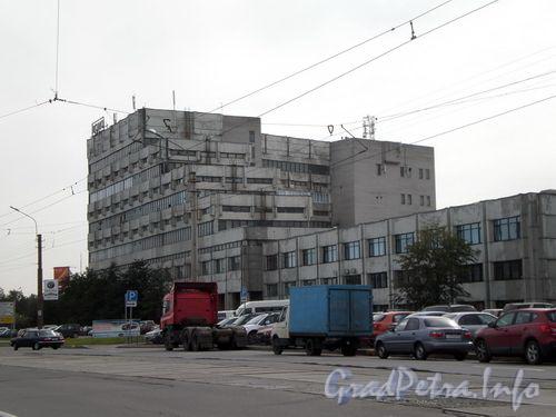 Торфяная дорога, д. 8, вид от улицы  Оптиков. Сентябрь 2008 г.