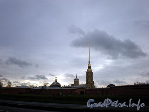 Петропавловская крепость. Вид с Кронверкской набережной. Октябрь 2008 г.