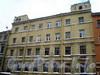 Греческий пр., д. 11. Бывший доходный дом. Фрагмент фасада здания. Фото декабрь 2009 г.