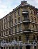 Греческий пр., д. 15 / 5-я Советская ул., д. 8. Бывший доходный дом. Угловая часть фасада. Фото декабрь 2009 г.