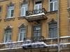 Греческий пр., д. 17. Бывший доходный дом. Балконы. Фото декабрь 2009 г.