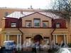 Большеохтинский пр., д. 5, корп. 2. Дворовый флигель. Фасад здания. Фото апрель 2009 г.