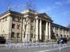 Большеохтинский пр., д. 18. Здание средней общеобразовательной школы №140. Фасад здания. Фото апрель 2009 г.