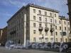 Большеохтинский пр., д. 33, корп. 1 / Краснодонская ул., д. 2.жилой дом. Общий вид здания. Фото апрель 2009 г.