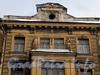 Владимирский пр., д. 10. Бывший доходный дом. Фрагмент фасада здания. Фото март 2010 г.