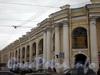 Невский пр., д. 35 (Ломоносовская линия Гостиного двора). Вид от Садовой улицы.  Фото март 2010 г.