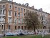 Большой пр. В.О., д. 15 / 4-я линия В.О., д. 5. Доходный дом Л. Е. Кенига. Фасад по проспекту. Фото май 2010 г.