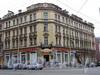 Средний пр., д. 16 / 2-я линия В.О., д. 39. Доходный дом К. И. Путилова. Общий вид угловой части здания. Фото май 2010 г.