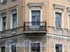Клинский пр., д. 10. Угловой балкон. Фото май 2010 г.