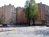 Сквер на углу Клинского проспекта и Серпуховской улицы. (на здании, западнее сквера, номерной знак: «Серпуховская ул., д. 21»). Фото май 2010 г.