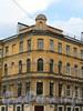 Малодетскосельский пр., д. 4 / Можайская ул., д. 40. Фрагмент угловой части фасада. Фото май 2010 г.