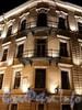 Адмиралтейский пр., д. 10 / Вознесенский пр., д. 2. Угловая часть фасада. Ночная подсветка. Фото июль 2010 г.