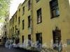 Константиновский пр., д. 3. Аварийное здание. Вид со двора. Фото июнь 2010 г.