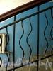 Константиновский пр., д. 3. Фрагмент решетки перил. Фото июнь 2010 г.