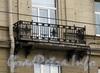 Каменноостровский пр., д. 2. Решетка балкона. Фото октябрь 2010 г.