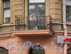 Кронверкский пр., д. 51. Угловой балкон. Фото октябрь 2010 г.