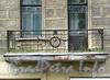 Кронверкский пр., д. 65 (правая часть) / Съезжинская ул., д. 37. Решетка балкона. Фото октябрь 2010 г.