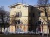 Витебский пр., д. 9. Фрагмент фасада здания. Апрель 2009 г.