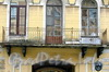 Рижский пр., д. 12 (левая часть). Бывший доходный дом. Балкон. Фото июль 2009 г.