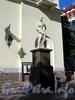 Невский пр., д. 22-24. Немецкая лютеранская церковь св. Петра. Скульптура апостола Павла. Фото июль 2009 г.