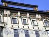 Невский пр., д. 46. Фрагмент фасада. Фото апрель 2009 г.
