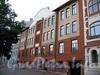 Большой пр., В.О., д. 55, лит. А (левая часть). «Сиротский дом» со школой при лютеранской церкви Св. Екатерины. Здание администрации Василеостровского района. Фасад здания. Фото август 2009 г.