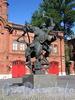 Большой пр. В.О., д. 73. Памятник пожарным - героям Великой Отечественной войны перед зданием пожарно-технической выставки им. Б. И. Кончаева. Фото сентябрь 2009 г.