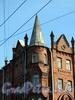 Большой пр., В.О., д. 82, лит. А. Доходный дом А. А. Еремеевой. Фрагмент углового эркера с башней. Фото сентябрь 2009 г.