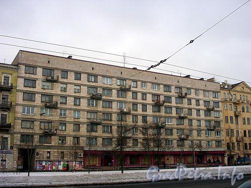 Большой пр., В.О., д. 41. Жилой дом. Общий вид здания. Фото март 2004 г.