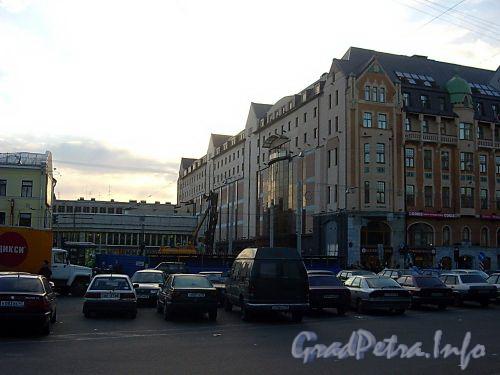 Начало строительства торгово-офисного комплекса «Regent Hall». Фото июнь 2004 г.