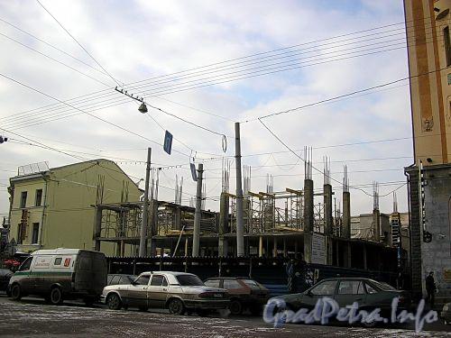 Строительство торгово-офисного комплекса «Regent Hall». Фото февраль 2005 г.