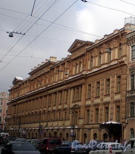 Владимирский пр., д. 2 / Невский пр., д. 49. Фасад здания по Владимирскому проспекту. Фото март 2010 г.