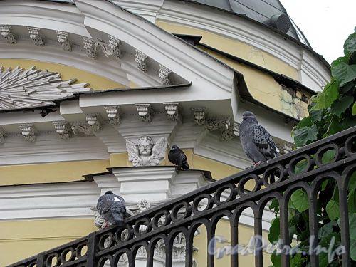 Владимирский пр., д. 20. Часовня Владимирского собора. Фото июнь 2009 г.