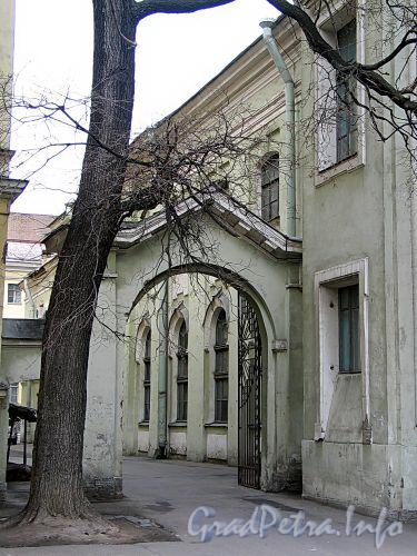 Большой пр. В.О., д. 1, лит. А. Церковь Святой Екатерины. Фото май 2010 г.