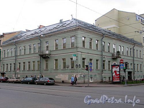 Средний пр., д. 15 / 3-я линия В.О., д. 34, лит. А. Дом Борисовой. Общий вид здания. Фото май 2010 г.