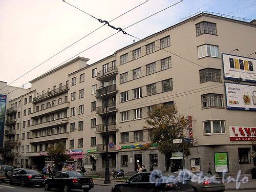 Фасад здания по Каменноостровскому пр.