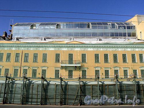 Невский пр., д. 114. Фасад здания. Фото август 2010 г.