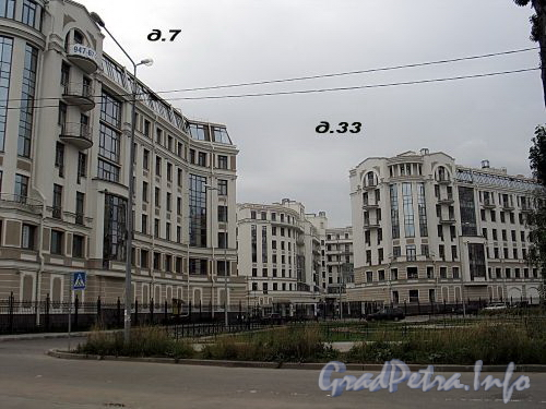Морской пр., д. 33 / Кемская ул., д. 7. Элитный жилой комплекс. Общий вид с Кемской улицы. Фото сентябрь 2010 г.