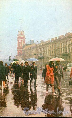 Невский проспект. Фото И. Наровлянского, 1972 г. (старая открытка)